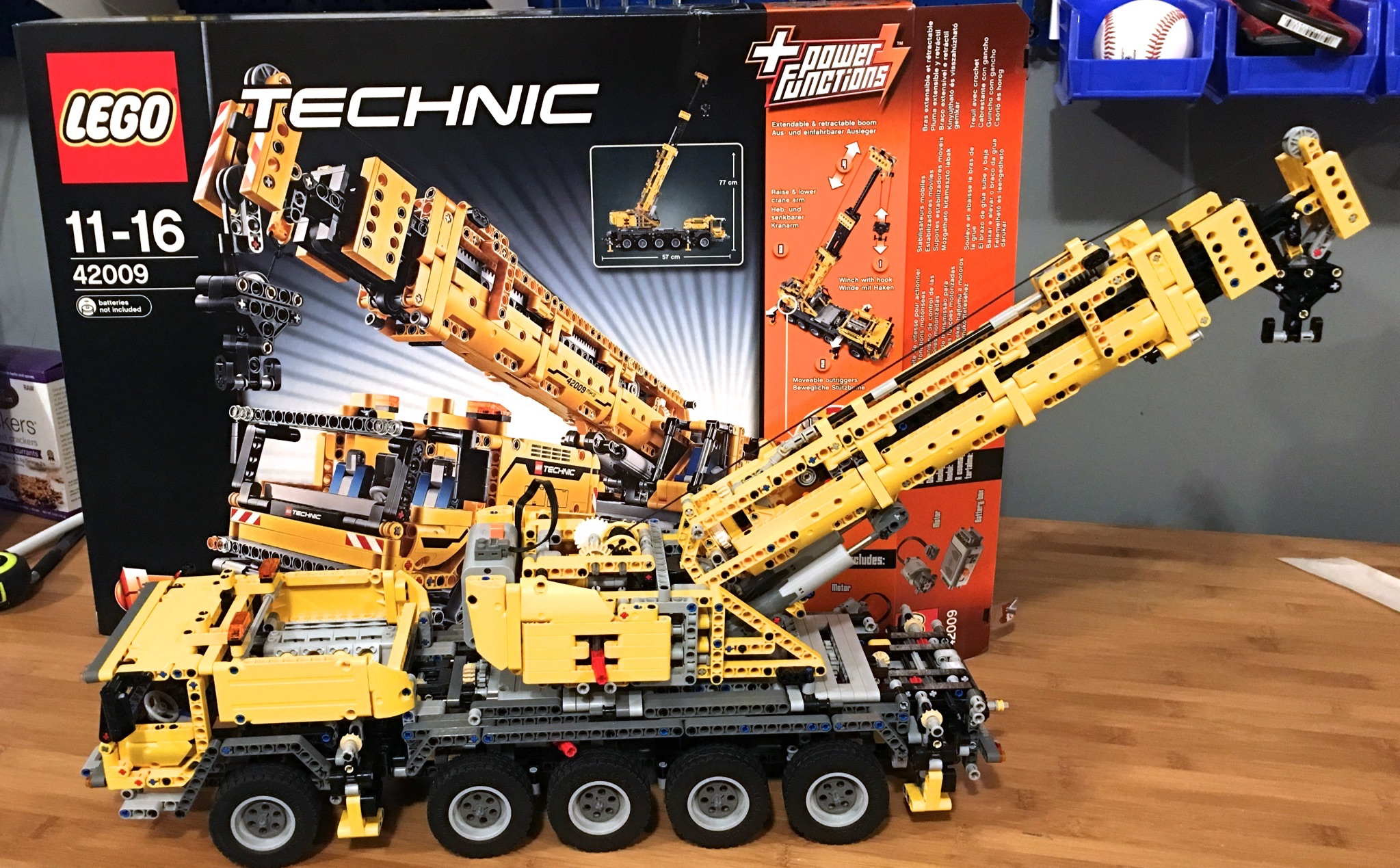 lego technic 42009 mobile crane mk ii built complete ebay. Black Bedroom Furniture Sets. Home Design Ideas